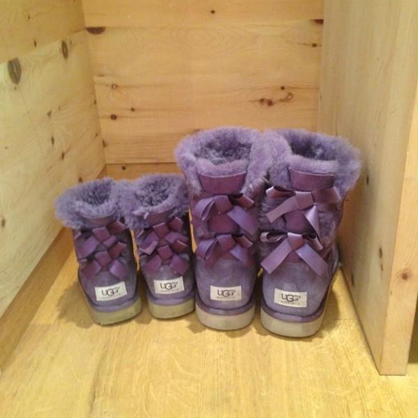 mama und kind UGG boots lila