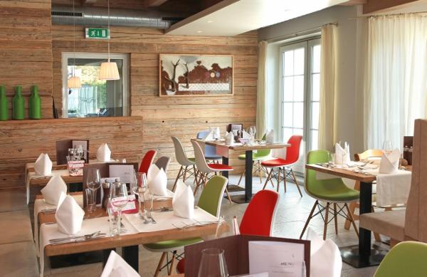 Restaurant (600x389)